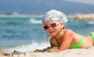 Cuidados com os olhos das crianças no verão