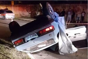 Capotagem ocorreu em frente ao cemitério São Francisco de Paula