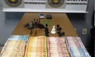 PRISÕES : Flagrantes para tráfico de drogas, roubo e porte ilegal de armas