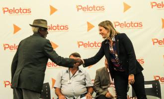 AGRICULTORES DA REGIÃO : Assinatura de contrato garante a aquisição de alimentos