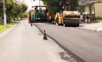 SERVIÇO MAL FEITO : Pista antiga da avenida JK é recuperada novamente