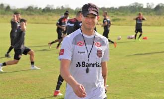 "BRASIL : Papa chamado para missão ""azeda"""