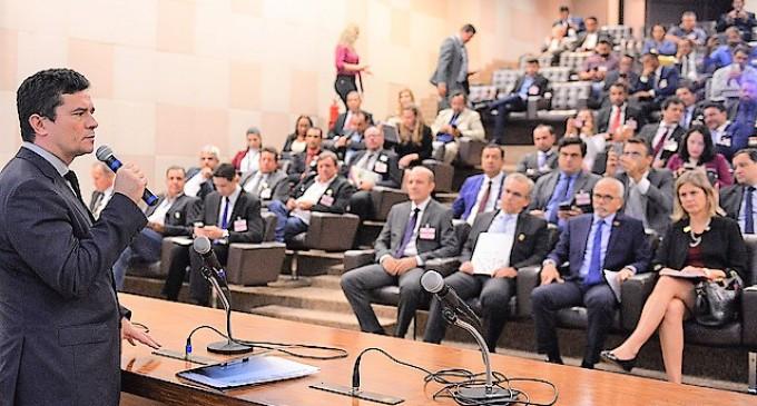 LEI ANTICRIME : Paula apresenta Pacto pela Paz ao ministro Sérgio Moro