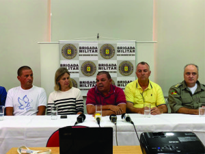 Presidentes da Dupla Bra-Pel e Brigada Militar confirmam torcida mista no Bra-Pel de domingo Foto: Carlos Insaurriaga/Assessoria GEB