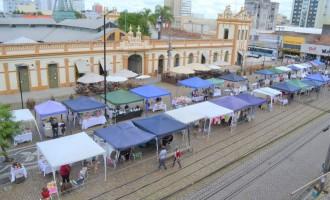 Feira do Artesanato na Rua atrai público no Largo