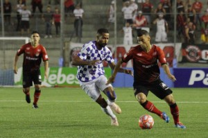 Diogo Oliveira é um digno camisa 10: não se esconde do jogo