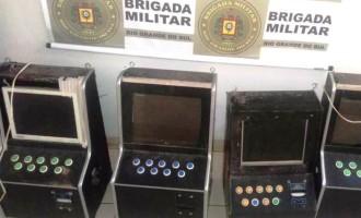 Brigada apreende máquinas de jogos de azar