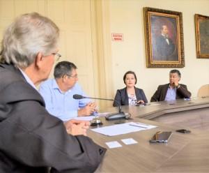 TRILHOS afetam a ligação de Centro e Simões Lopes. Equipe da Prefeitura discutiu soluções com a empresa Rumo, concessionária habilitada