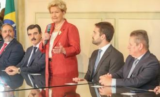 Ana Amélia Lemos toma posse como Secretária Estadual