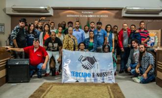 Ativistas organizam ato contra a suspensão de atividades culturais no Mercado Público