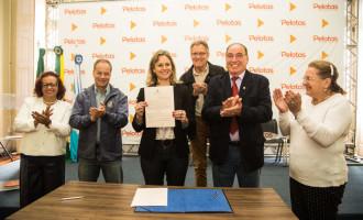 Prefeita assina decreto que regulamenta Fundo Municipal do Idoso