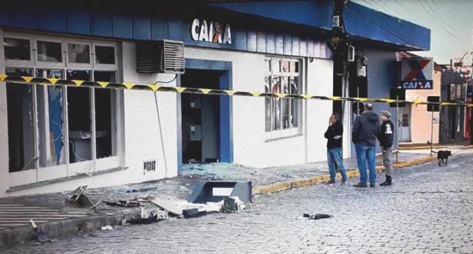 MANDADOS DE PRISÃO : Polícia Federal caça bando que roubou CEF em Canguçu
