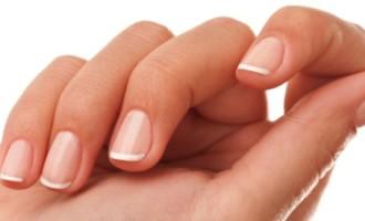 10 vitaminas ajudam unhas e cabelos