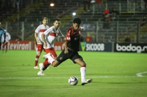Bruno Paulo e Rafael Grampola estrearam, mas Brasil segue sem gols marcados Foto: Jonathan Silva / GE Brasil