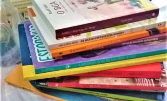 Cras arrecada livros para a biblioteca juvenil
