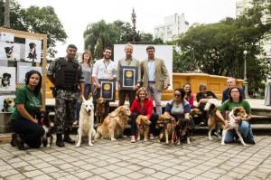 As primeiras empresas que receberam o selo das mãos da prefeita Paula Mascarenhas foram o Posto São José e a Casarão Imóveis