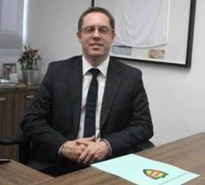 Hocsman é vice de Francisco Noveletto