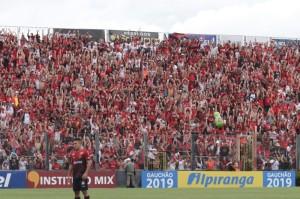 BRASIL : Torcida como reforço à recuperação