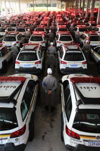 Oito veículos foram entregues para a Brigada Militar e três fuzis para a Polícia Civil