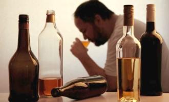 Os perigos do consumo excessivo de álcool para a saúde