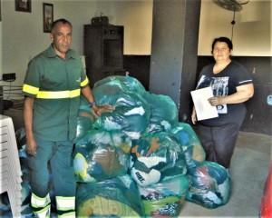 COMUNIDADE recebeu 1,5 mil peças que serão distribuídas às famílias carentes do Pestano e Getúlio Vargas