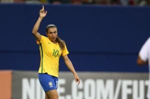 Marta é esperança no talento individual
