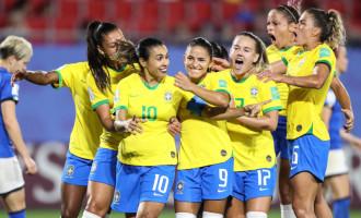 COPA DO MUNDO : Marta se isola na artilharia das Copas e garante classificação brasileira