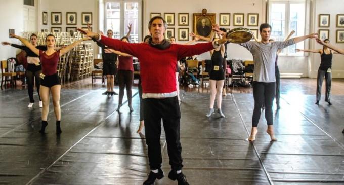DANÇA CONTEMPORÂNEA : Centro Coreográfico  seleciona bailarinos