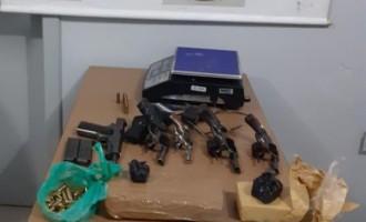 FLAGRANTE : Brigada Militar prende dupla com cinco armas e maconha