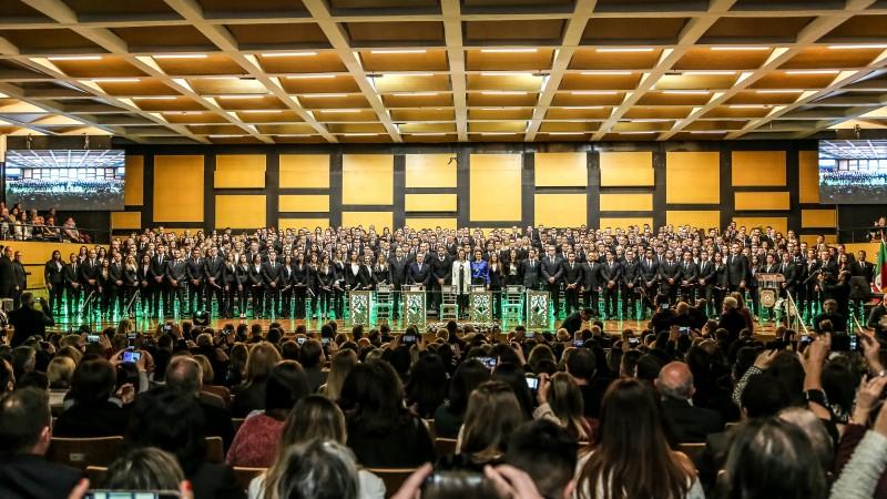 Cerimônia da Acadepol contou com o governador Eduardo Leite, vice Ranolfo Vieira Júnor e a chefe de polícia Nadine Anflor
