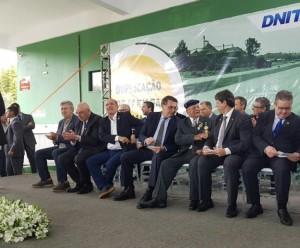 Presidente esteve na inauguração do trecho junto com outras autoridades