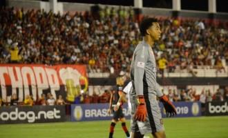 SÉRIE B  : Carlos Eduardo dá show em Goiânia e garante empate