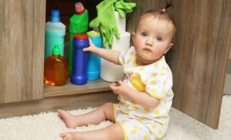 Cuidados para manusear e armazenar produtos de limpeza com segurança