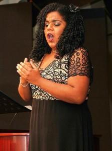 Pelotense Natália Gonçalves foi convidada e cantou com Orquestra Sinfônica de Porto Alegre (OSPA)