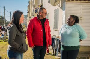 VEREADOR Marcola conversou com moradores