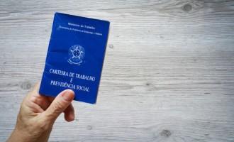 CARTEIRA DE TRABALHO : Agência do Sine local chama para retirada de documentos