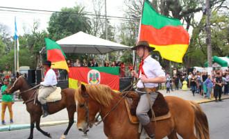 Saiba detalhes do desfile de cavalarianos em 20 de setembro