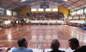 SALÁRIOS PARCELADOS : Municipários decidem prosseguir a greve por tempo indeterminado