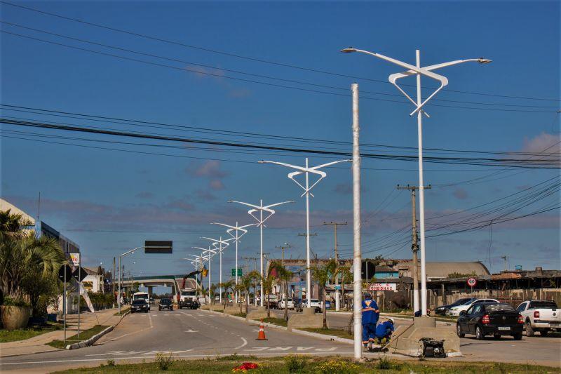 No domingo (6), novas luzes da avenida Saturnino de Brito foram acesas