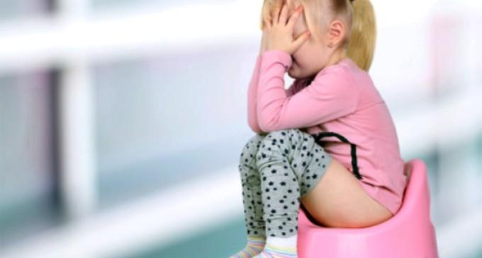 Como prevenir a prisão de ventre na criança