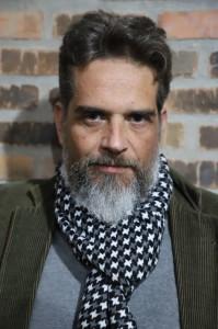 Poeta Fábio Amaro Duval lança o terceiro livro
