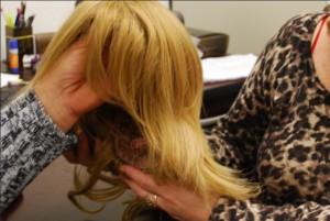 PARA a confecção das perucas são necessárias doações de mechas de cabelo