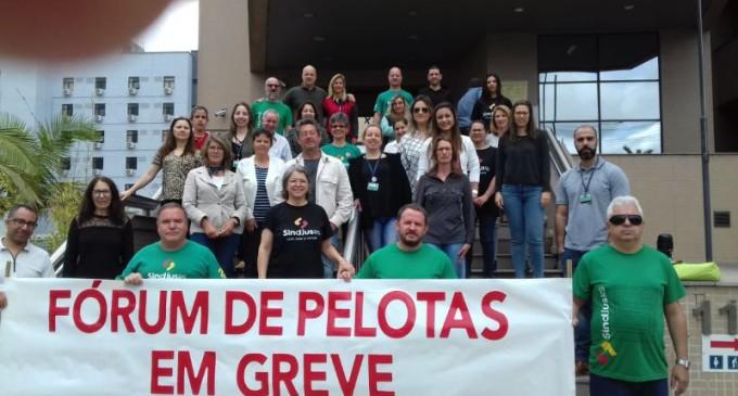 Servidores da Justiça seguem mobilizados