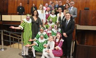 Grupo Tholl recebe homenagem da Assembleia
