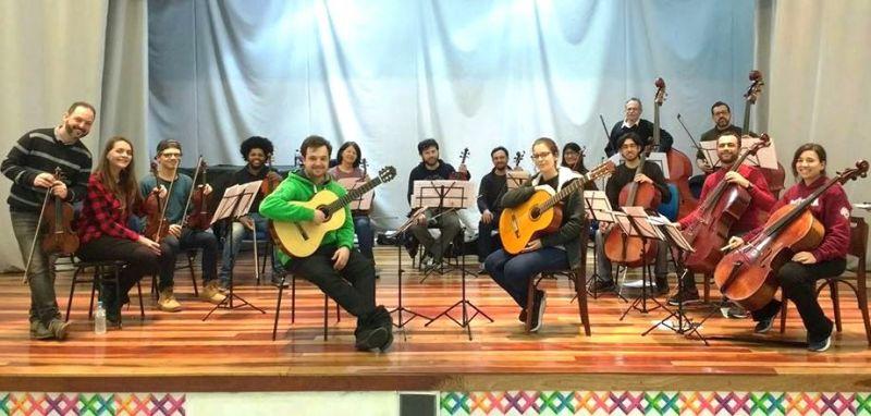 A orquestra, sob regência de Tiago Ribas, contará com alunos do ensino coletivo de cordas