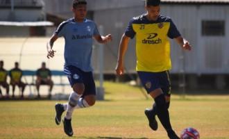 MEXENDO NO TIME : Pelotas empata com o Grêmio sub-23