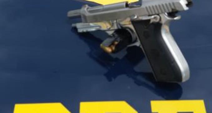 PRF prende criminosa armada em Capão do Leão