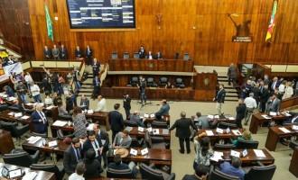 Assembleia aprova em 1º turno PEC que altera previdência e carreiras de servidores