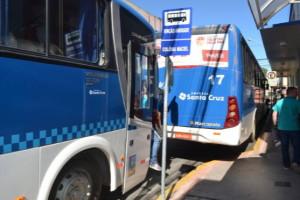 Os 16 ônibus da frota da colônia disponibilizam Wi-Fi aos usuários