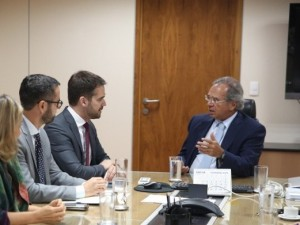 Eduardo Leite esteve em Brasília com Paulo Guedes, ministro da Economia